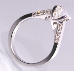 Special Design Diamond Solitaire Ring with 1.5 carat round diamonds