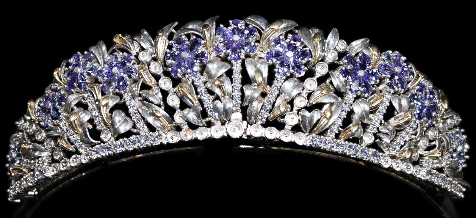 The alexandra Tanzanite with Diamond Tiara in hallmarked 18ct Gold and Silver